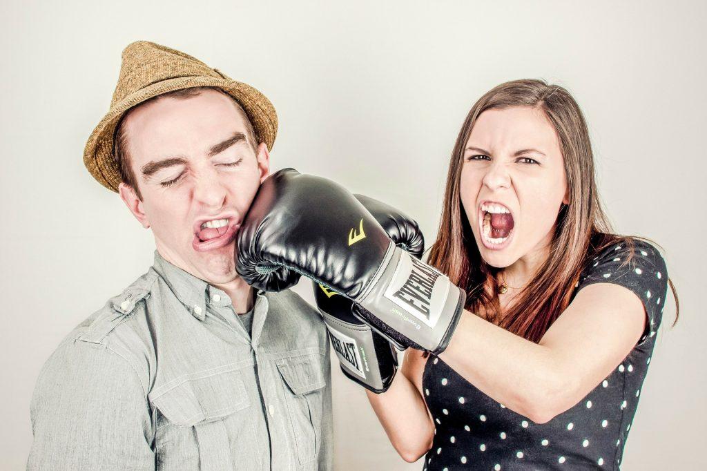 responder asertivamente a las críticas