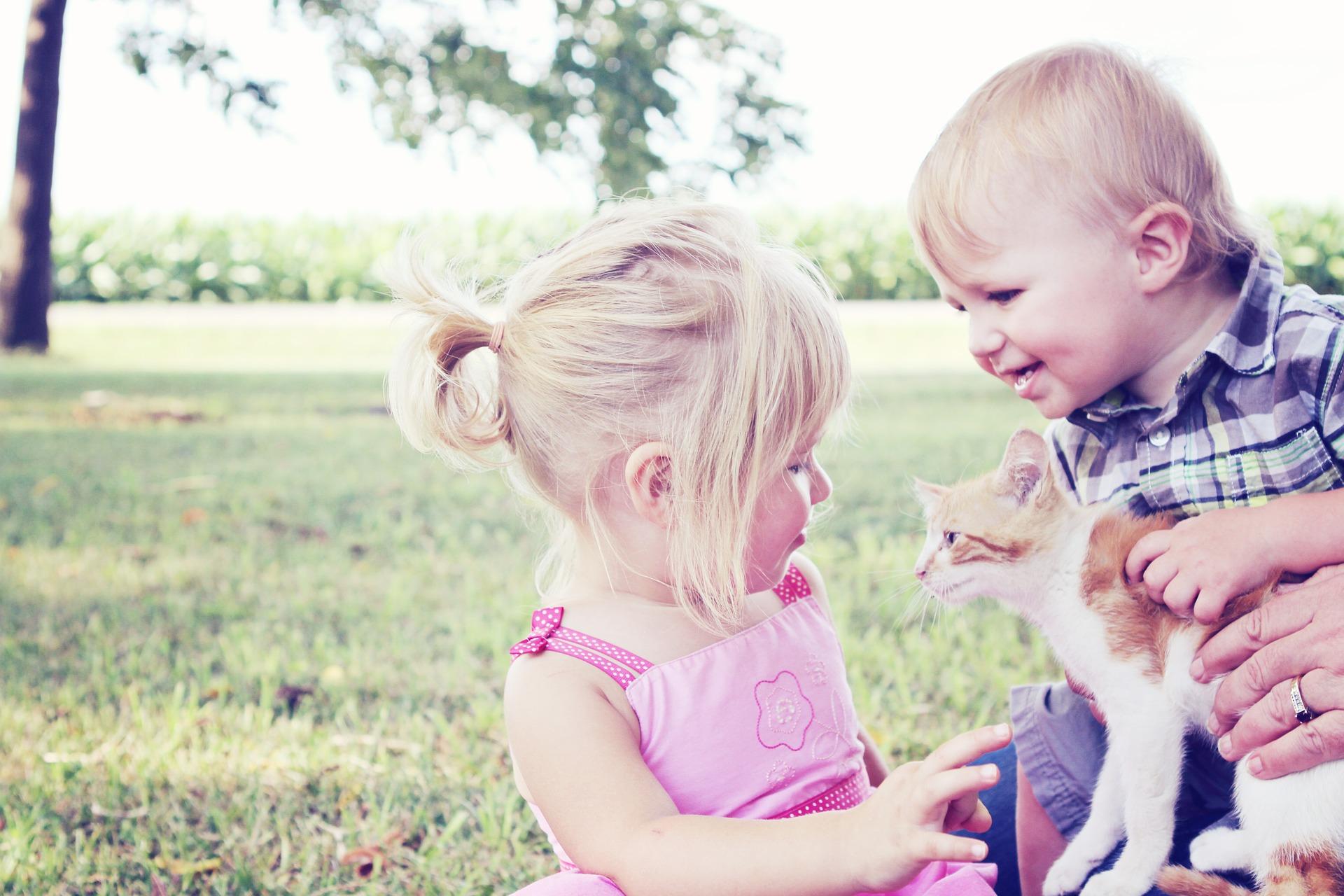beneficios psicológicos de crecer con animales
