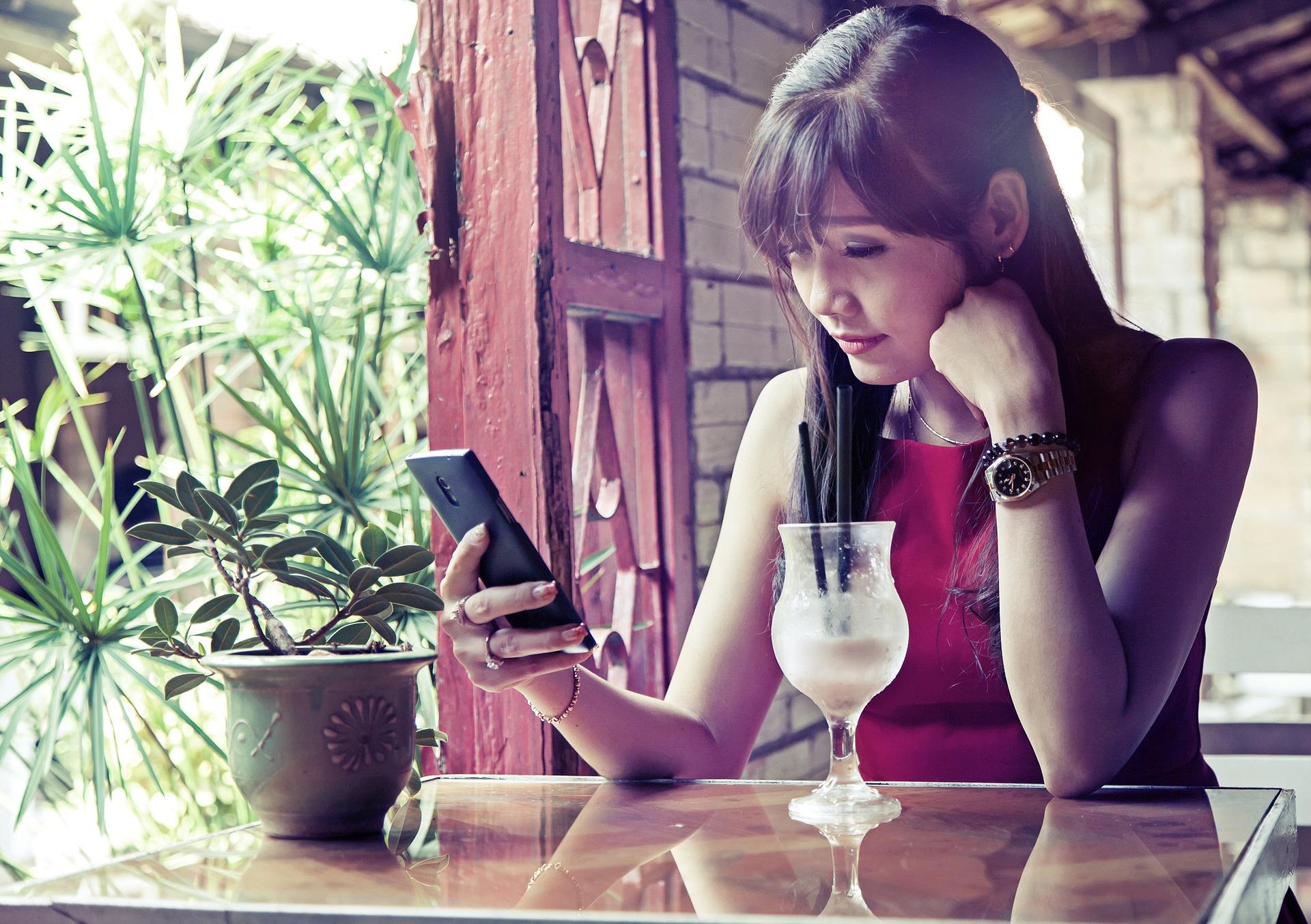 la influencia negativa de las redes sociales en la autoestima