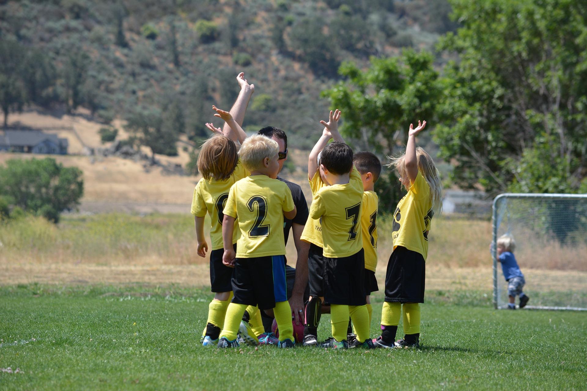 ventajas psicológicas de practicar deportes en equipo